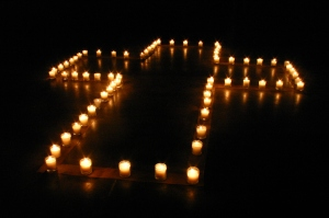 A_Cross_of_Candle_Light